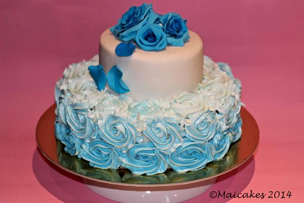 Torta rose blu