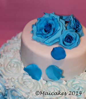 torta rose blu ..